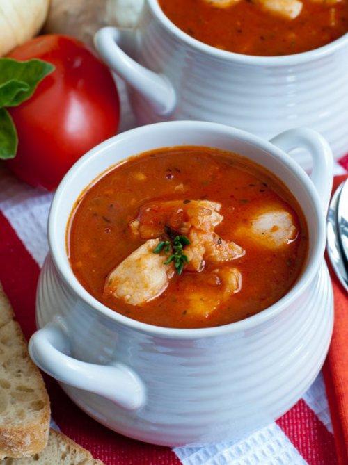 Sopa de pescado y patatas